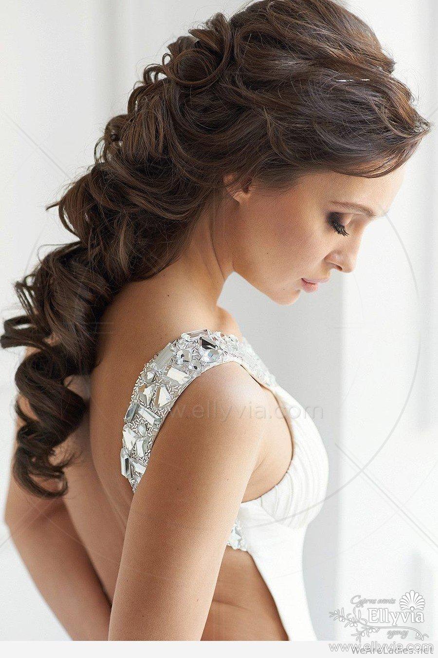 Красивые платья и причёски фото